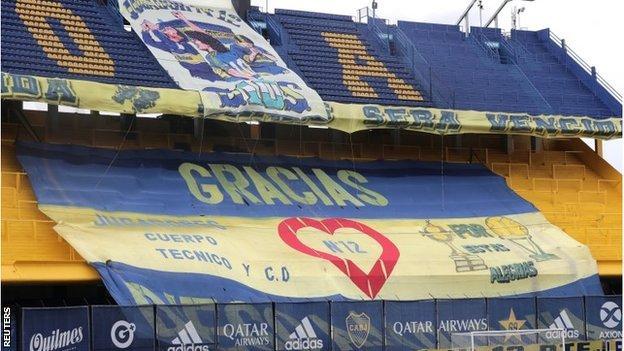 Banners celebrating Maradona all over the Bombonera
