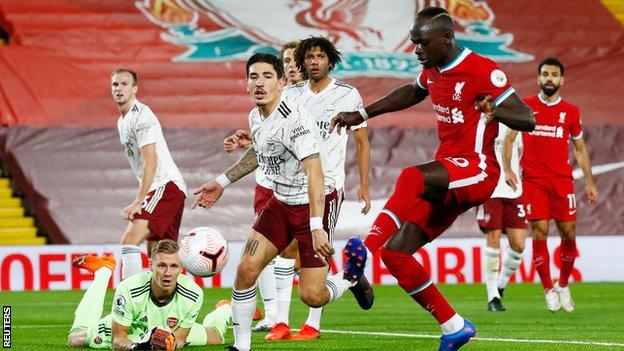 Liverpool striker Mane self-isolating after positive test thumbnail