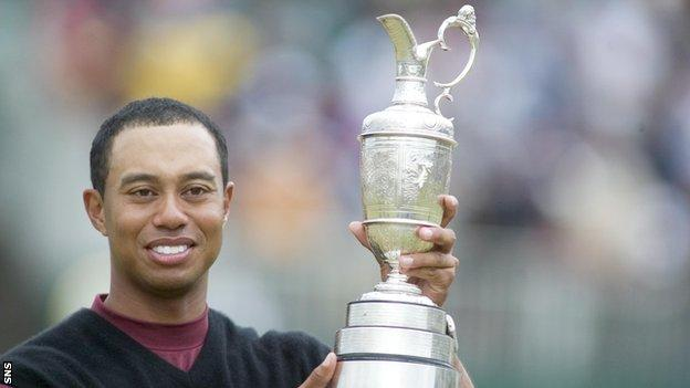 Tiger Woods with the Claret Jug after winning the 2005 Open Championship at St Andrews