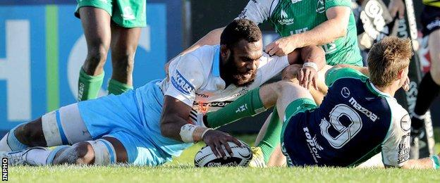 Leone Nakarawa stretches over to score for Glasgow