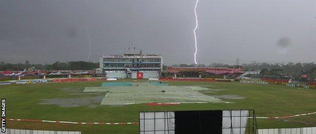 Lightning storm at cricket match