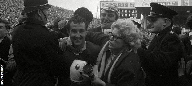 Gerry Byrne engulfed by Liverpool fans after the 1965 FA cup semi-final
