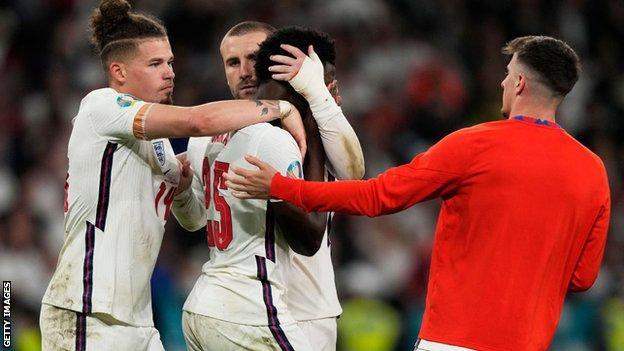 Kalvin Phillips, Luke Shaw and Mason Mount were among the England players to immediately console Bukayo Saka