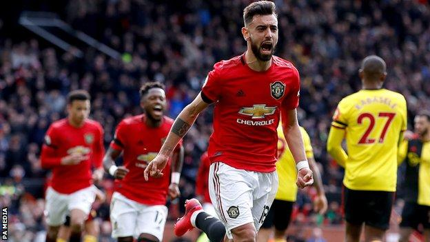 Bruno Fernandes celebrates scoring a penalty for Manchester United
