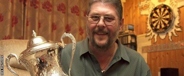 Martin Adams with the BDO trophy