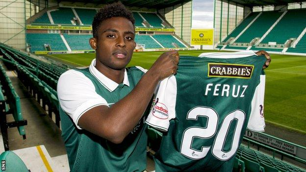 Islam Feruz arrives at Hibernian