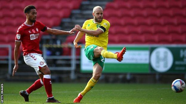 Teemu Pukki scores his first goal for Norwich City