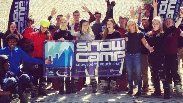 Snow-Camp participants with Olympic snowboarder Jenny Jones.