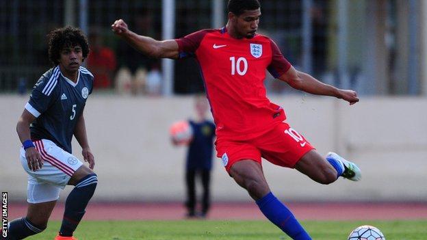 Ruben Loftus-Cheek in action for England Under-21s