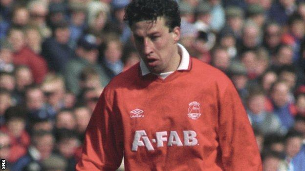 Raymond Sparkes was involved in Paul Kane's move to Viking Stavanger in 1996