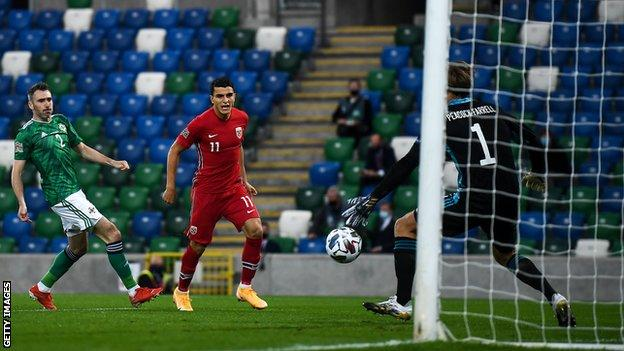 Haaland stars as Norway thrash Northern Ireland thumbnail