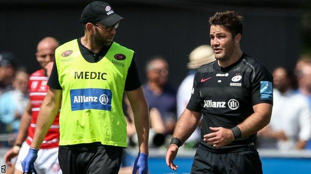 Brad Barritt limps off