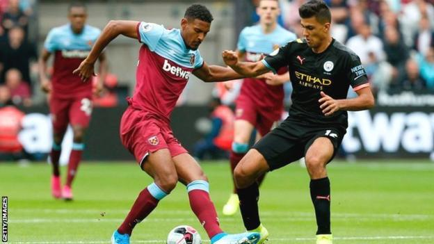 Rodri in action for Manchester City