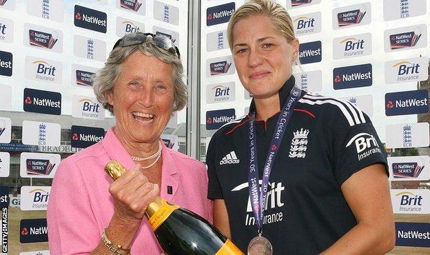 Baroness Heyhoe Flint and Katherine Brunt