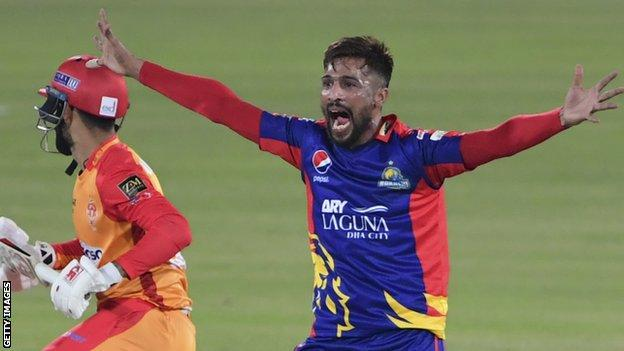 Mohammad Amir in action for Karachi Kings