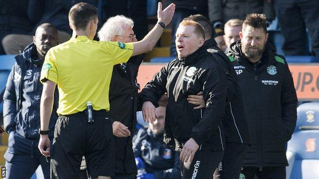 Referee Kevin Clancy sends Neil Lennon to the stand