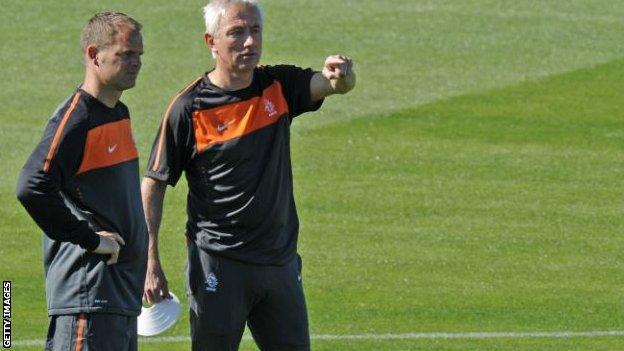 Frank de Boer (left) and Bert van Marwijk at the 2010 World Cup