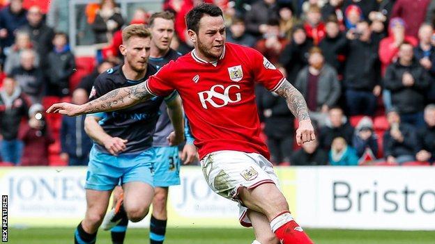 Bristol City midfielder Lee Tomlin