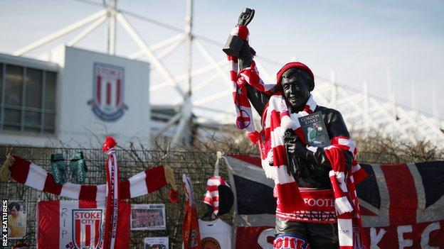 Tributes to Gordon Banks adorn the former England goalkeeper's statue outside the Bet365 Stadium