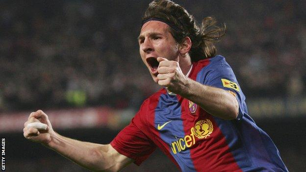 Lionel Messi celebrates goal against Real Madrid in 2007