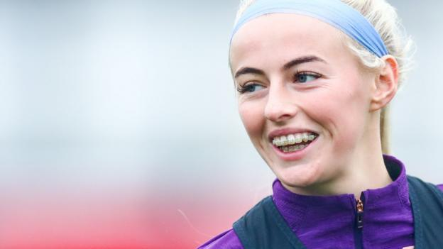 Chloe Kelly: Manchester City signal Everton's England ahead thumbnail