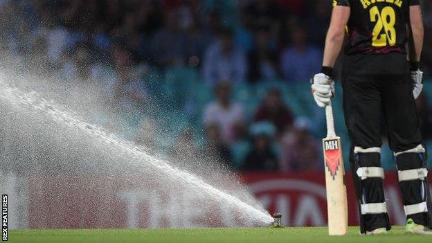 Sprinkler stops play at The Oval