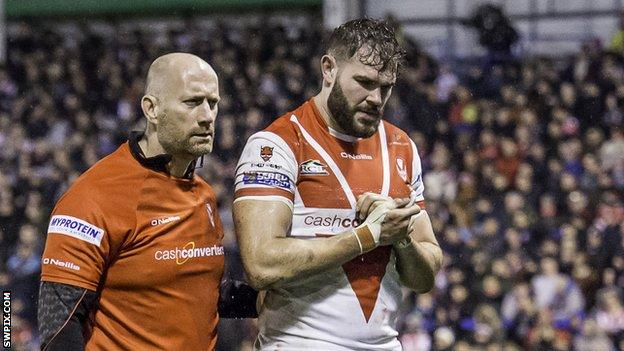 Alex Walmsley recently signed a new four-year contract with St Helens