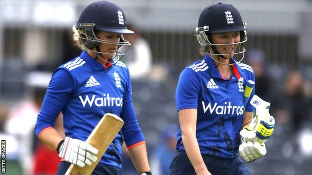 England women's captain Charlotte Edwards (left) with Natalie Sciver