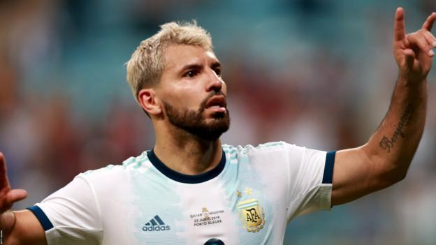 Copa America: Sergio Aguero helps Argentina beat Qatar 2-0 to reach quarter-finals thumbnail