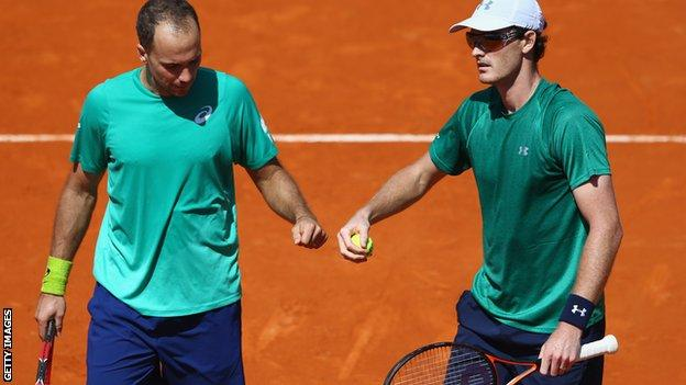 Bruno Soares and Jamie Murray (right)