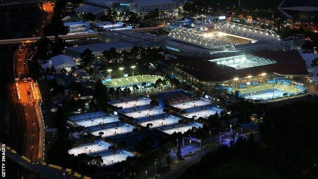 General view of a grand slam tennis tournament