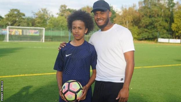 Mydas Smalls with Southampton's former Chelsea defender Ryan Bertrand