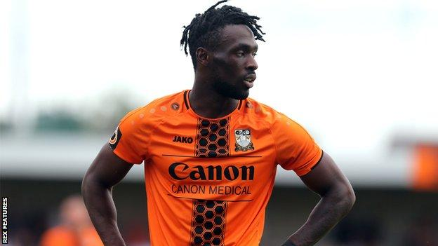 Simeon Akinola in action for Barnet