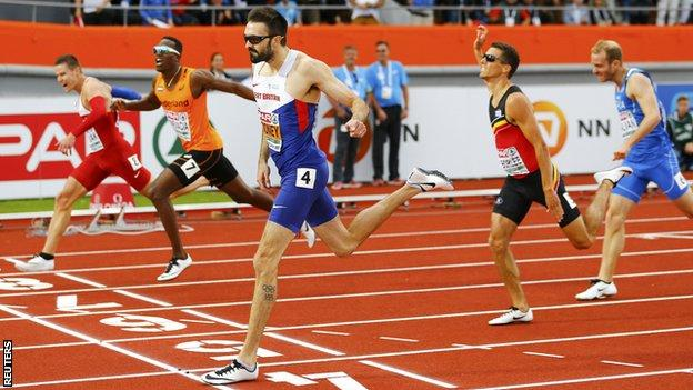 Martyn Rooney (centre) wins the European 400m