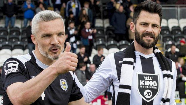 St Mirren's Jim Goodwin and Steven Thompson