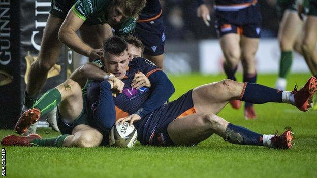 Matt Scott's run led to the penalty try which set Edinburgh up for victory