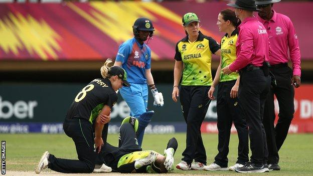 Alyssa Healy is injured