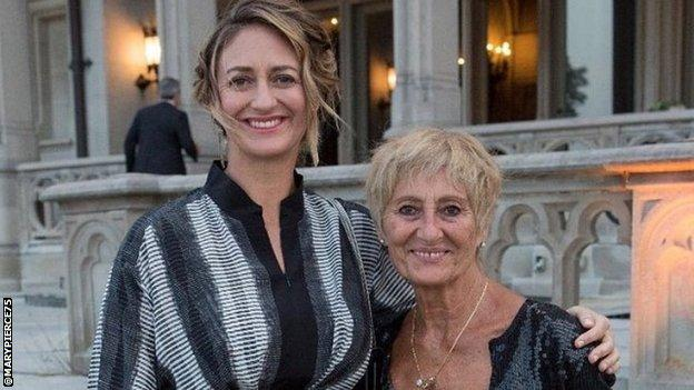 Mary Pierce and her mother Yannick, whose country of birth she represented