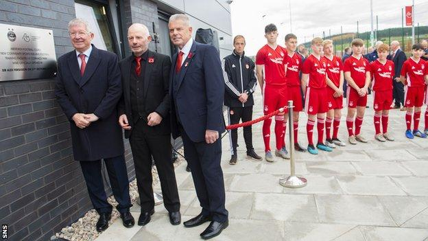 Sir Alex Ferguson, left, opened the facility with Aberdeen chairman Stewart Milne and director Dave Cormack