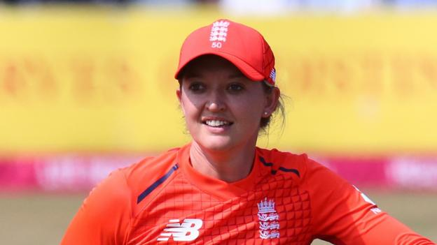 Sarah Taylor and Katherine Brunt back in England squad thumbnail