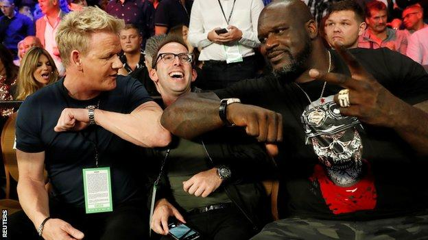 Gordon Ramsey, Justin Mandel and Shaquille O'Neal in the stands