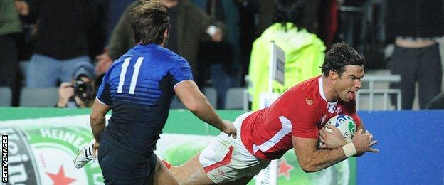Mike Phillips scores for Wales against France in the semi-final of the 2011 World Cup