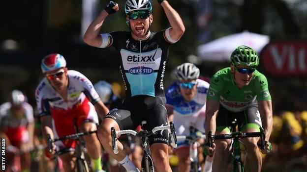 Mark Cavendish wins stage seven
