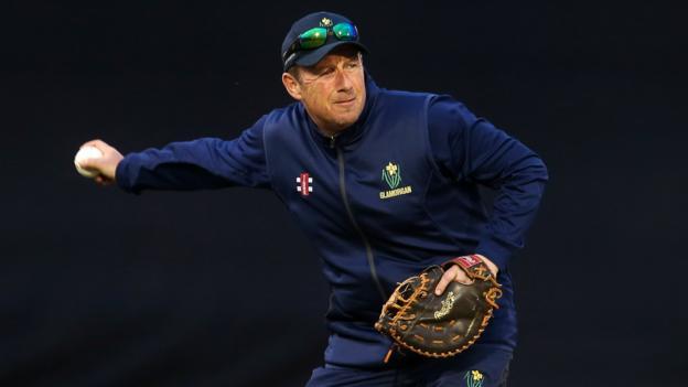 Robert Croft leaves Glamorgan head coach role