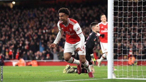 Reiss Nelson celebrates goal