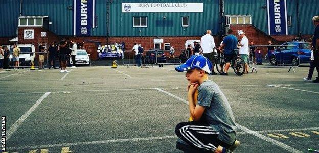 Bury FC fan