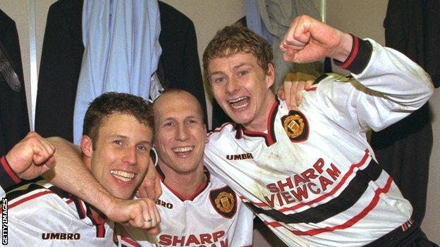 Ole Gunnar Solskjaer (right) with Ronny Johnsen and Jaap Stam