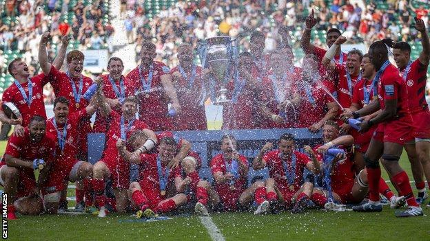 Saracens celebrate their title in 2018-19
