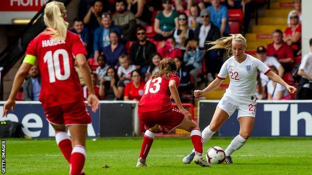Beth Mead in action against Denmark
