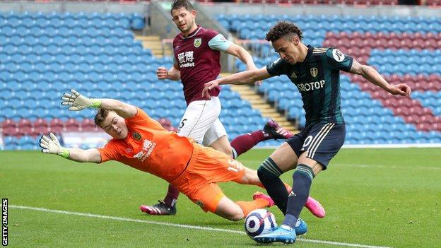 Rodrigo scores Leeds' fourth